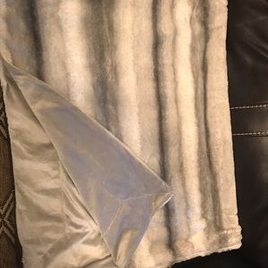 Other - Grey and white fur blanket with grey velvet